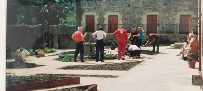 Photograph of the Beechgrove Garden Hit Squad working on Abbot House Garden prio…